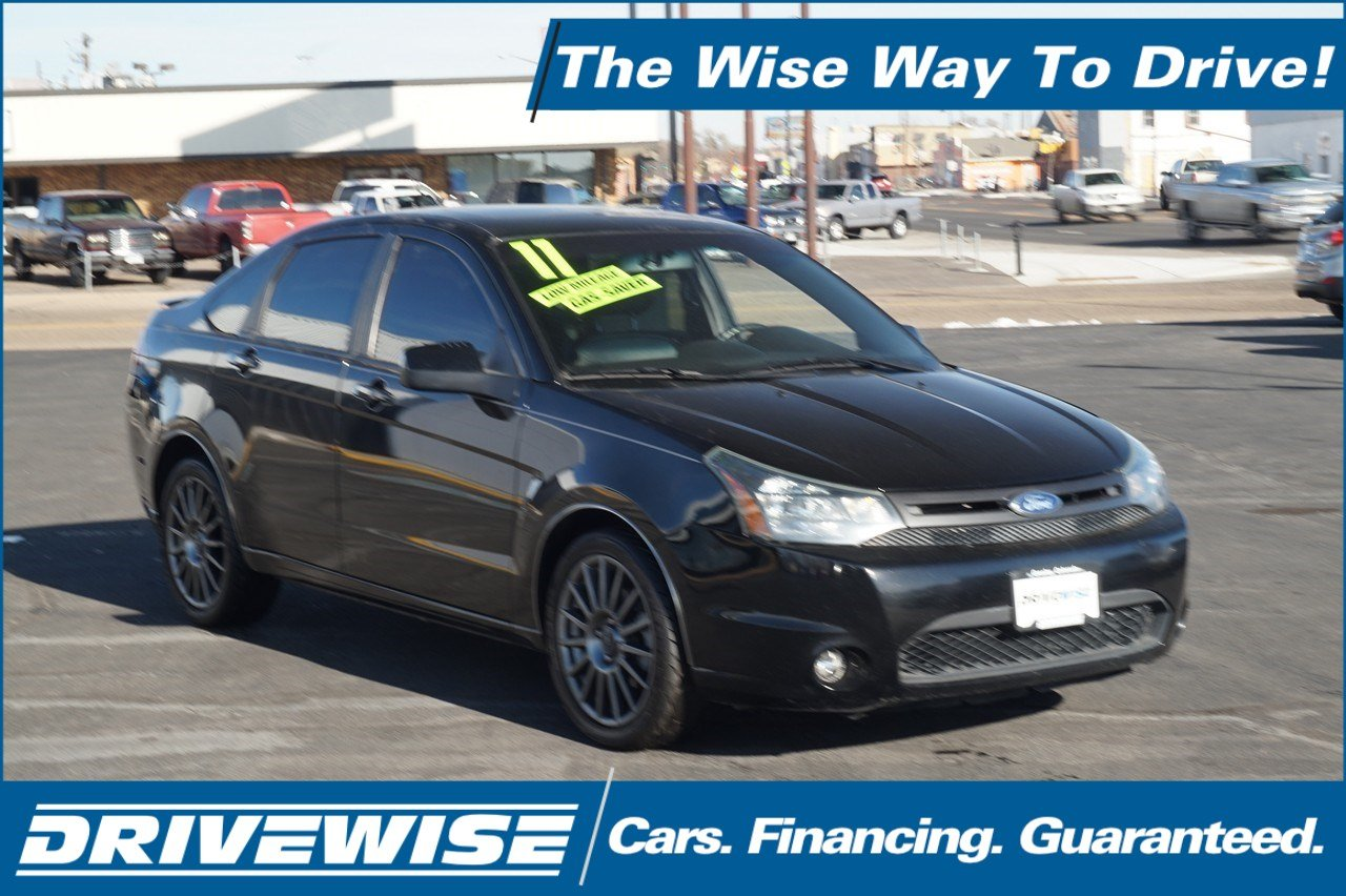 Pre-Owned 2011 Ford Focus SES