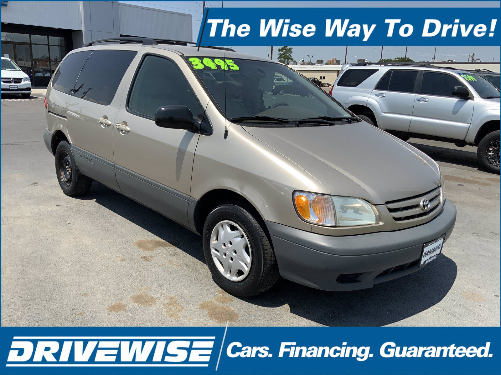 Pre-Owned 2001 Toyota Sienna