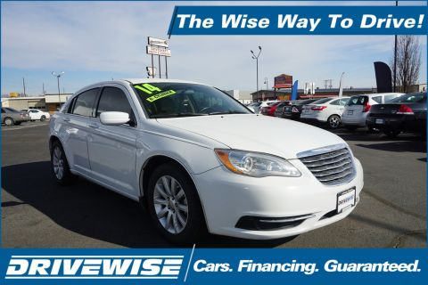 Pre-Owned 2014 Chrysler 200 Touring