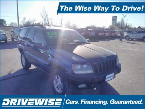 Pre-Owned 2000 Jeep Grand Cherokee Laredo